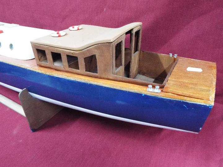 A scratch built model of Royal Navy Steam Pinnacle 199, - Image 4 of 5