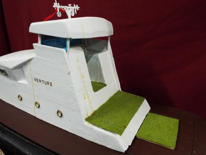 A fibreglass constructed prototype model of a yacht entitled 'Venture' . - Image 3 of 4