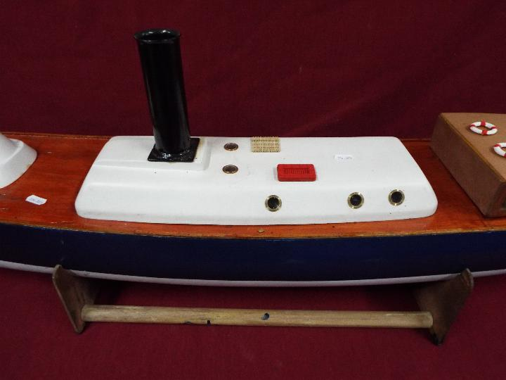 A scratch built model of Royal Navy Steam Pinnacle 199, - Image 3 of 5