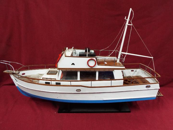 A 'Grand Banks 32' static model yacht. - Image 5 of 6