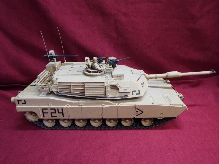 Heng Long - Abrams 1/16 scale M1A2 tank with 2.4 GHz transmitter. - Image 7 of 10
