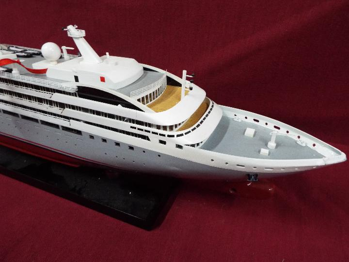 A static display model of a French cruise liner 'Le Soleal' . - Image 6 of 6