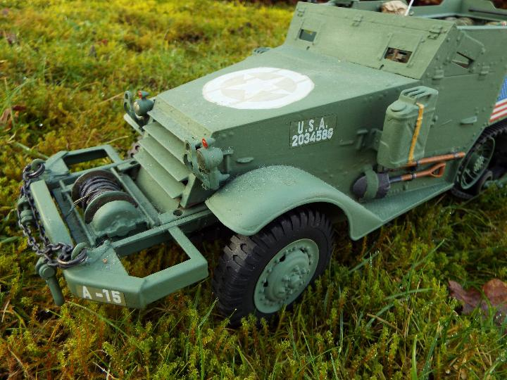 Torro - M16 half track-laying vehicle in US army WW2 livery. - Image 4 of 9