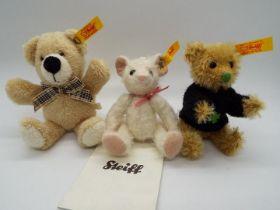Steiff - Three Steiff Mini Bears comprising # 040313 'Mouse With Pendant',
