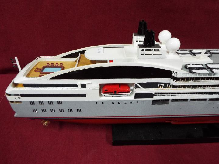 A static display model of a French cruise liner 'Le Soleal' . - Image 5 of 6