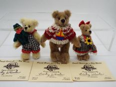 Small Bears For A Big World - Becky Wheeler bear named Frog Prince in Mint condition with