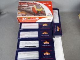 Bachmann Branch-Line - an OO gauge boxed set class 221 Virgin Super Voyager 5-car unit with unique