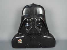 Kenner - A vintage The Empire Strikes Back Accessory Storage Chamber # 157017 in the shape of Darth