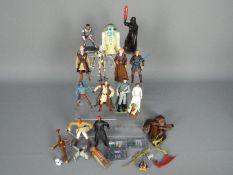 Hasbro - A collection of 14 x figures including Saesee Tiin, Jango Fett, Ki-Adi Mundi and similar.