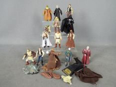 Hasbro - A collection of 14 x 2004 dated figures including Lando Calrissian, Palpatine,