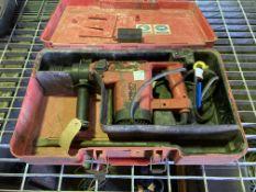 Hilti TE52 110v heavy duty demolition hammer drill in case