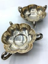 Pair of silver tri handle dishes by Mappin and Webb in 1908 Birmingham, 250g and 13cm diameter
