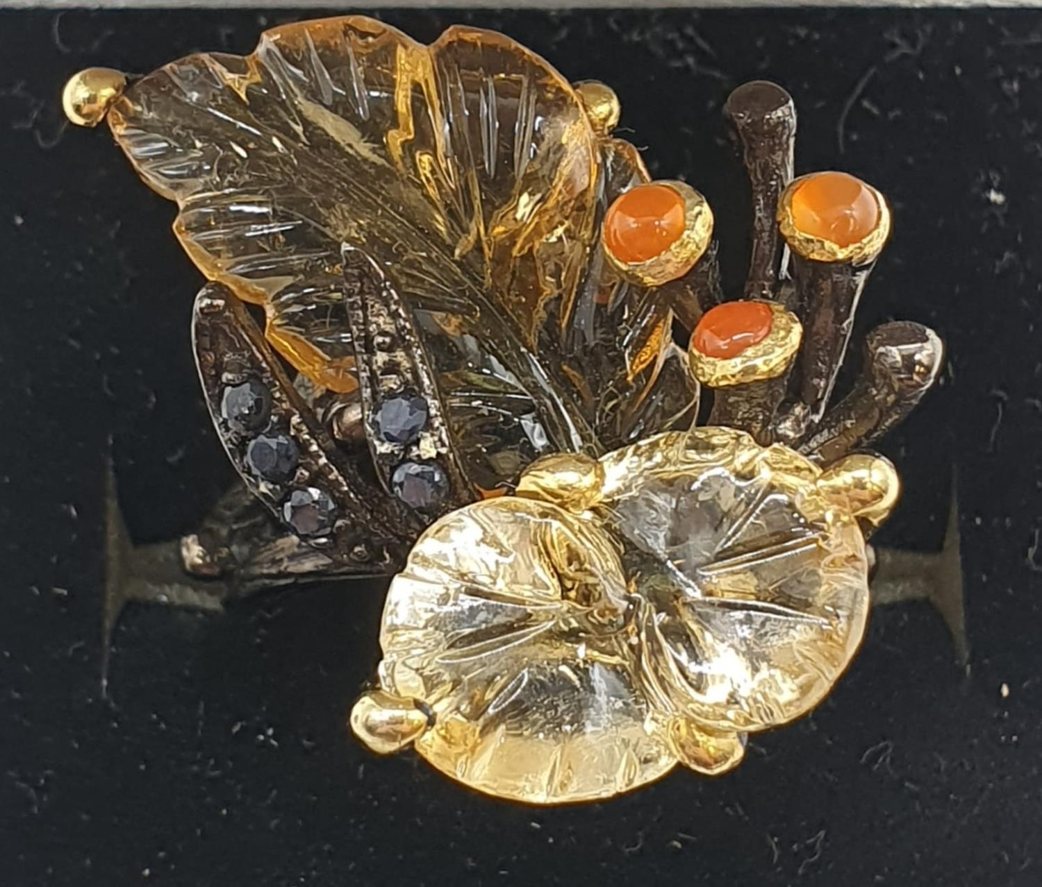 A unique Edwardian silver (unmarked) ring with carved semiprecious and precious stones (citrine, - Image 5 of 5