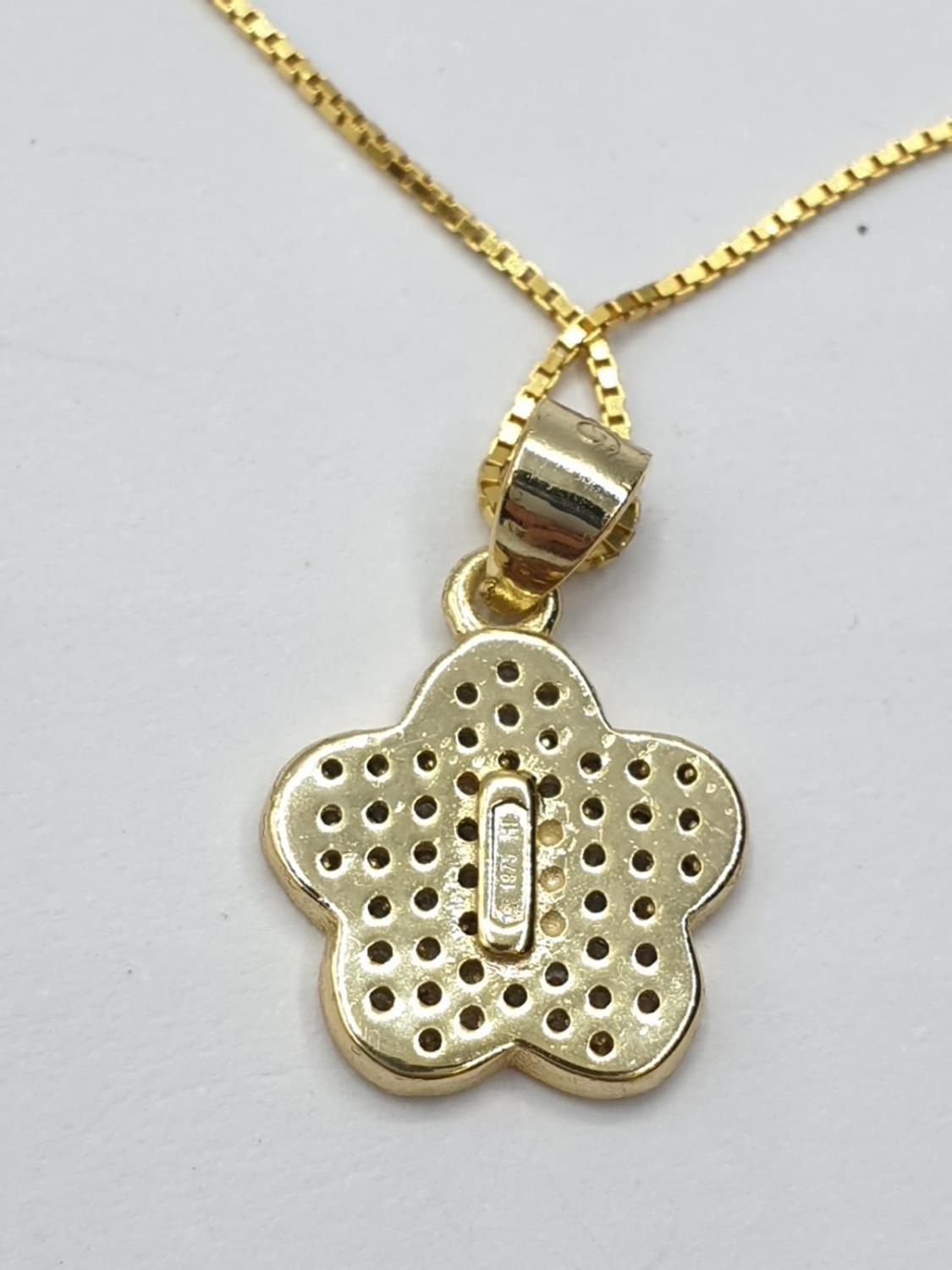 Gold plated silver set of PENDANT and matching EARRINGS. 3.7g 40cm chain. - Image 7 of 7