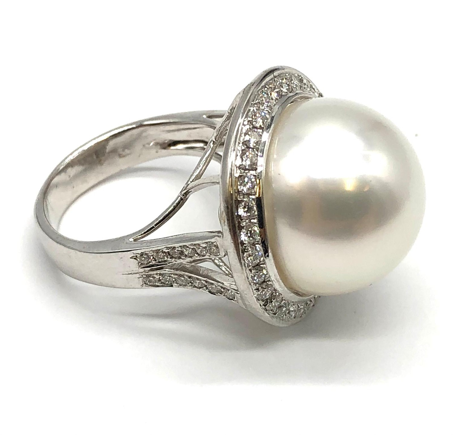 A large Kimoto pearl (17mm diameter) ring set in diamond and 18ct white gold ring, weight 14.43g and - Image 5 of 7