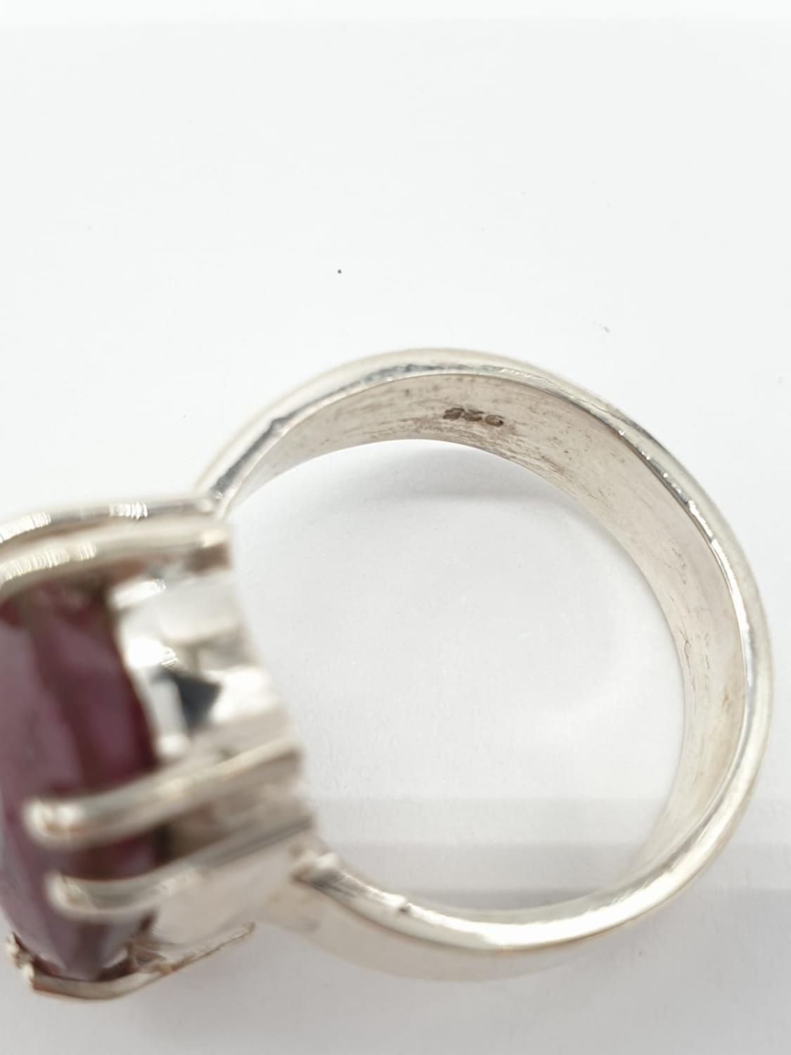 Dressed ruby silver N size ring - Image 4 of 4