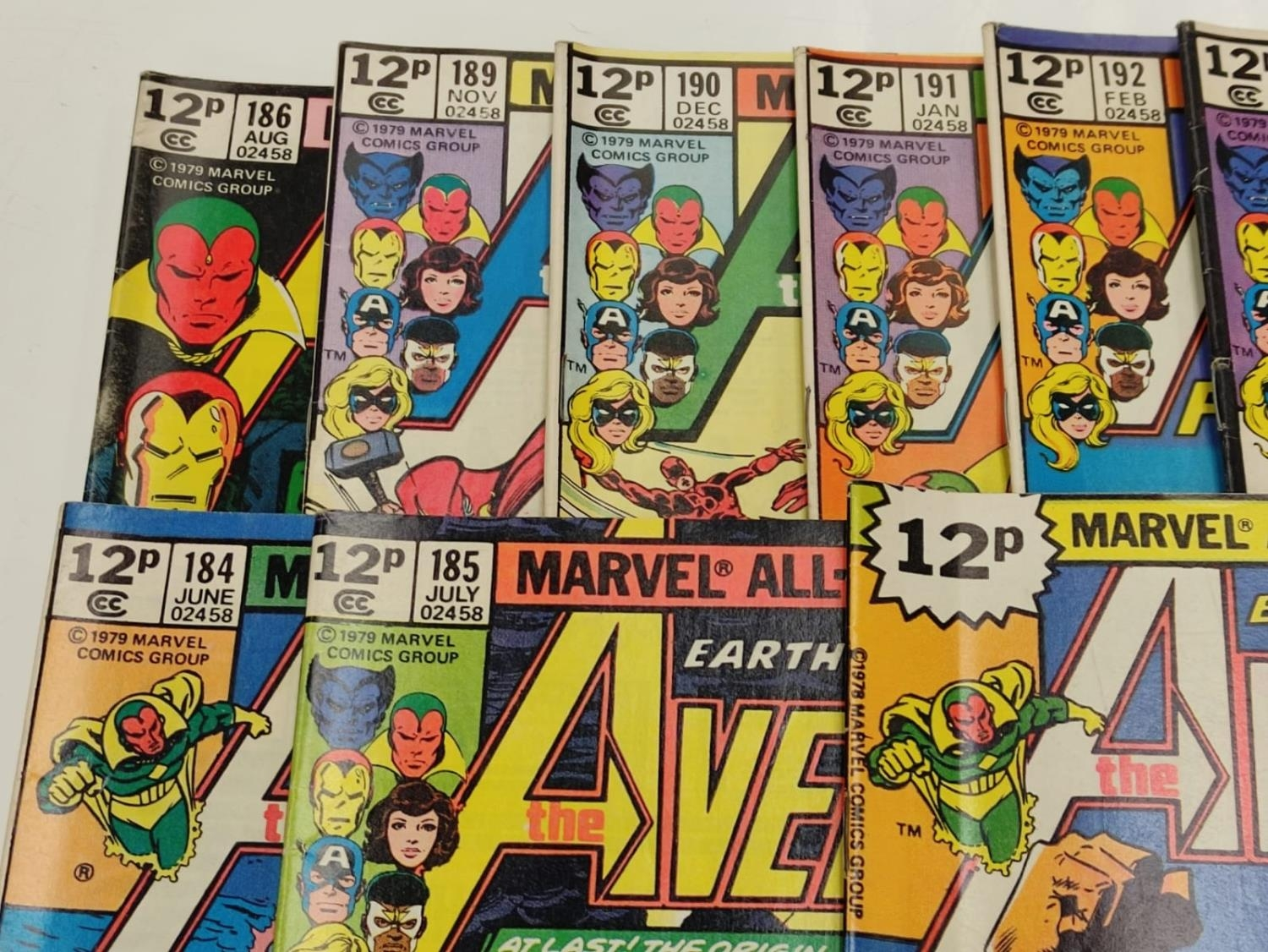 17 editions of Vintage Marvel 'The Avengers' comics in very good condition. - Image 9 of 12