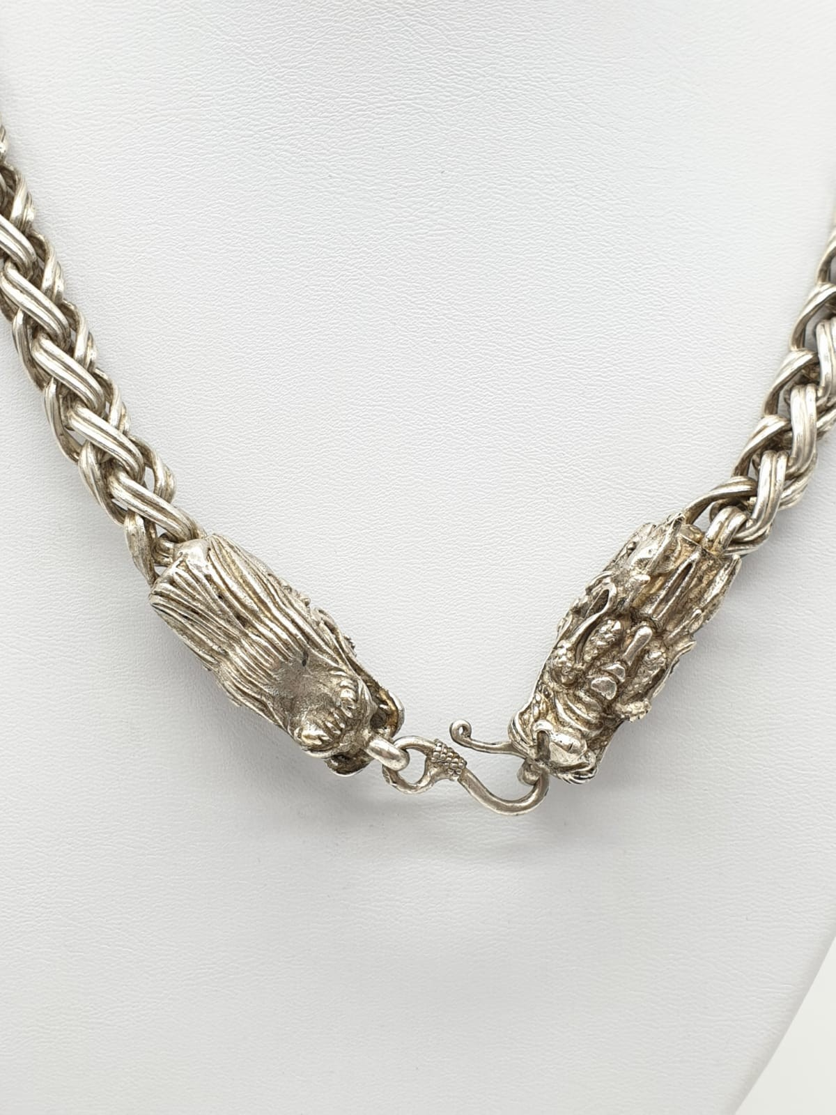 A Tibetan silver, braded chain, necklace with two Chinese dragon heads. Necklace length: 68cm, - Image 6 of 6
