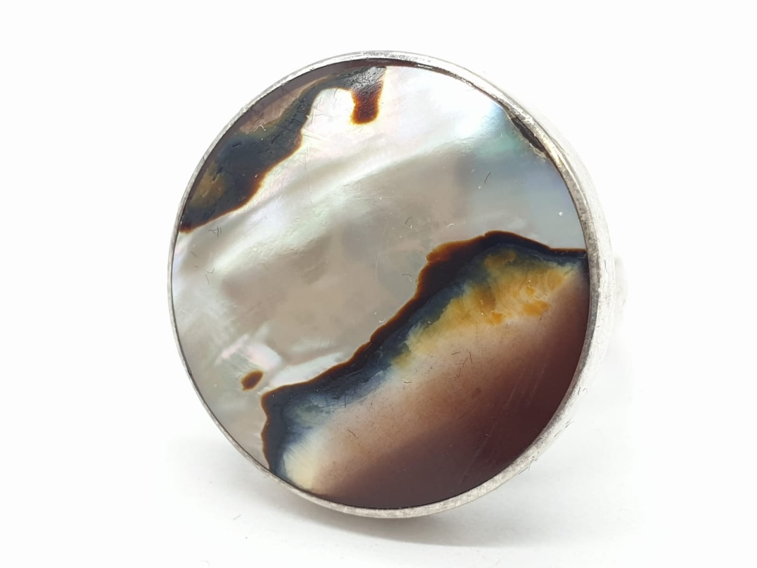 Silver ring having large circular Agate stone to top. Size L.