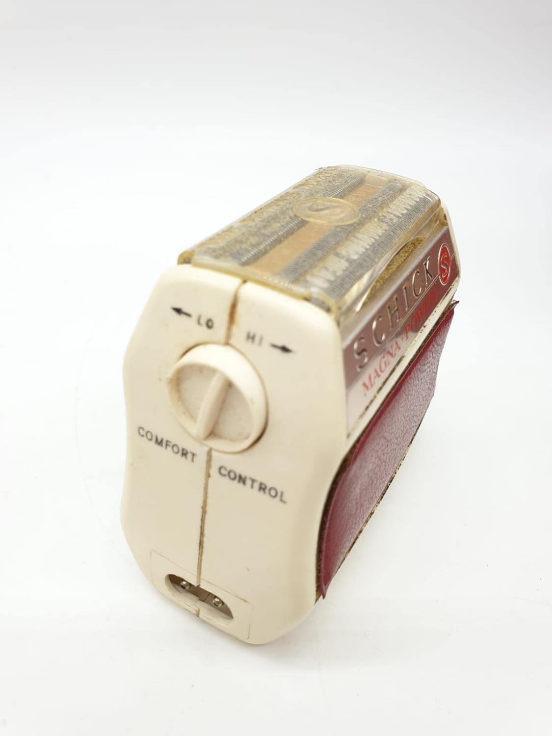 A Selection of 4 Vintage Razors including Remington & Schick. - Image 6 of 9