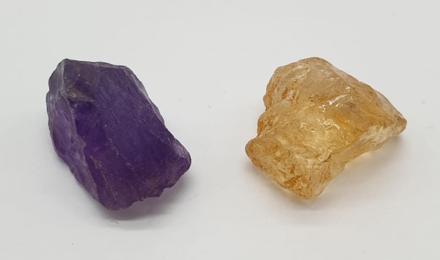 Total 30cts Amethyst and yellow topaz 2 large rough gemstones - Image 2 of 3