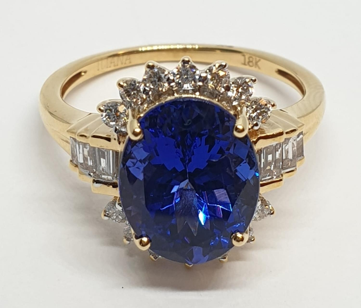 18ct yellow gold ring with 4ct tanzanite centre and further diamonds surrounding and on each - Image 2 of 10