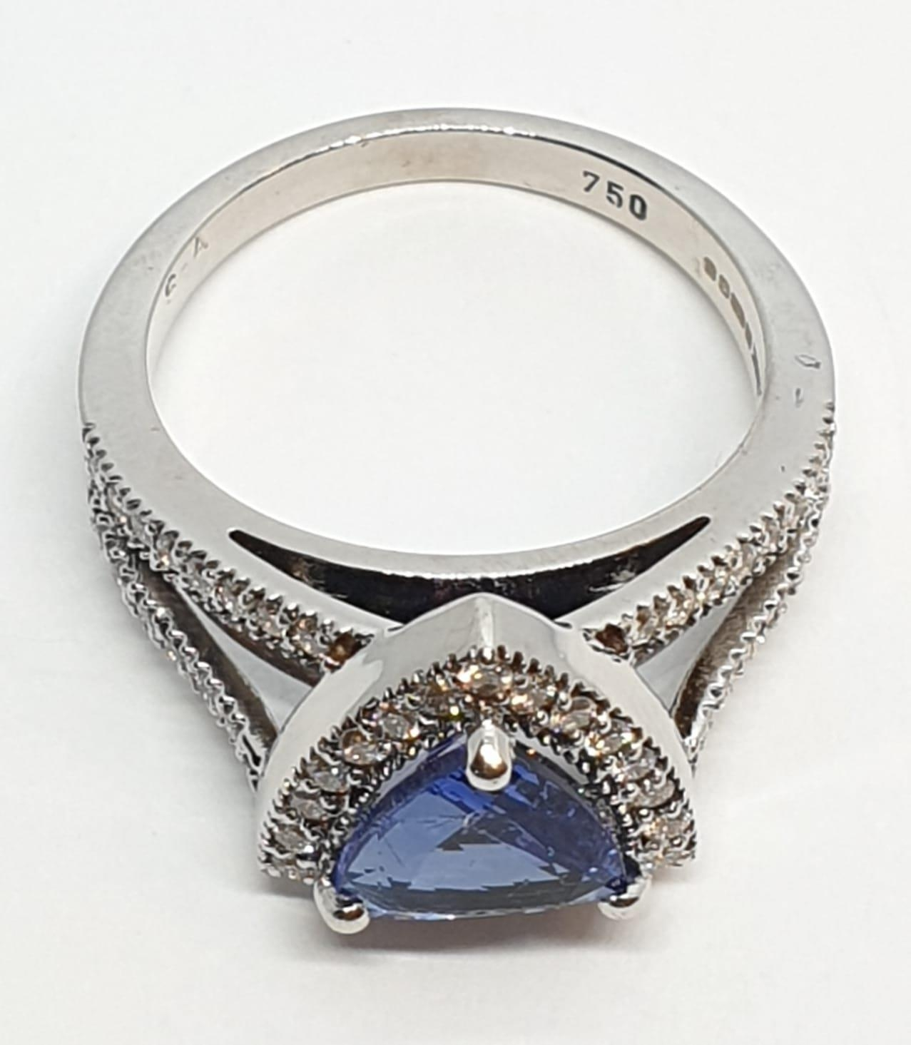 18CT WHITE GOLD RING WITH TRIANGULAR TANZANITE CENTRE AND DIAMONDS ON SHOULDERS, WEIGHT 7G AND - Image 5 of 10