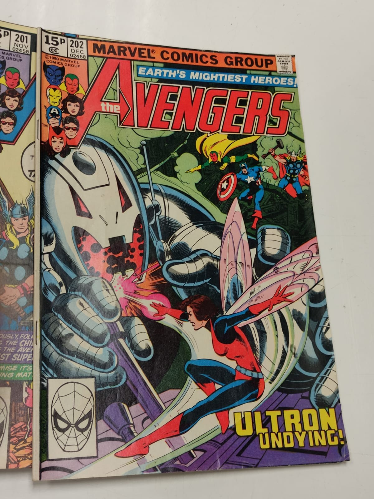 17 editions of Vintage Marvel 'The Avengers' comics in very good condition. - Image 4 of 12