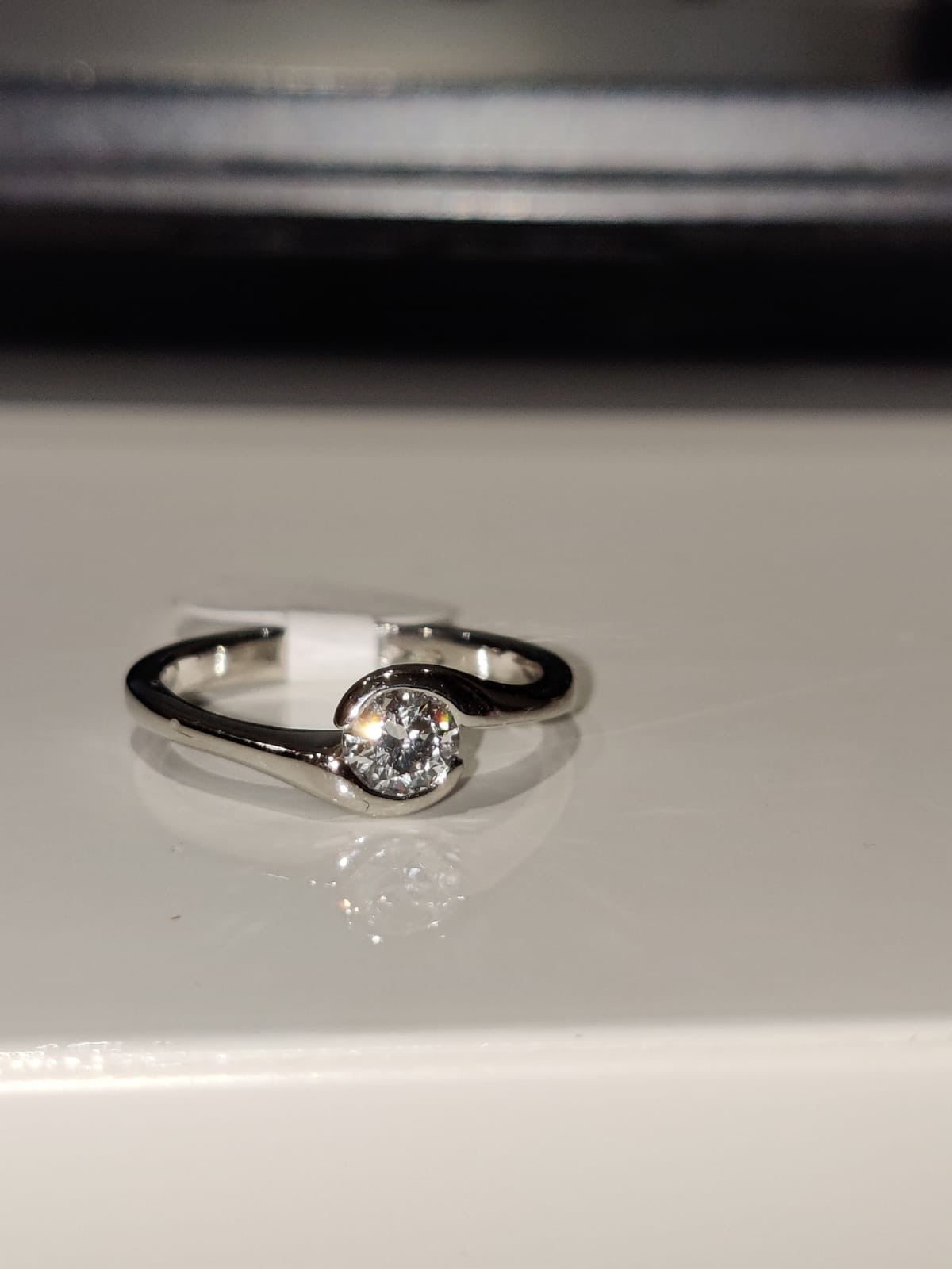 Platinum ring with 0.30ct diamond solitaire (GIA certification), weight 3.3g and size H - Image 2 of 2