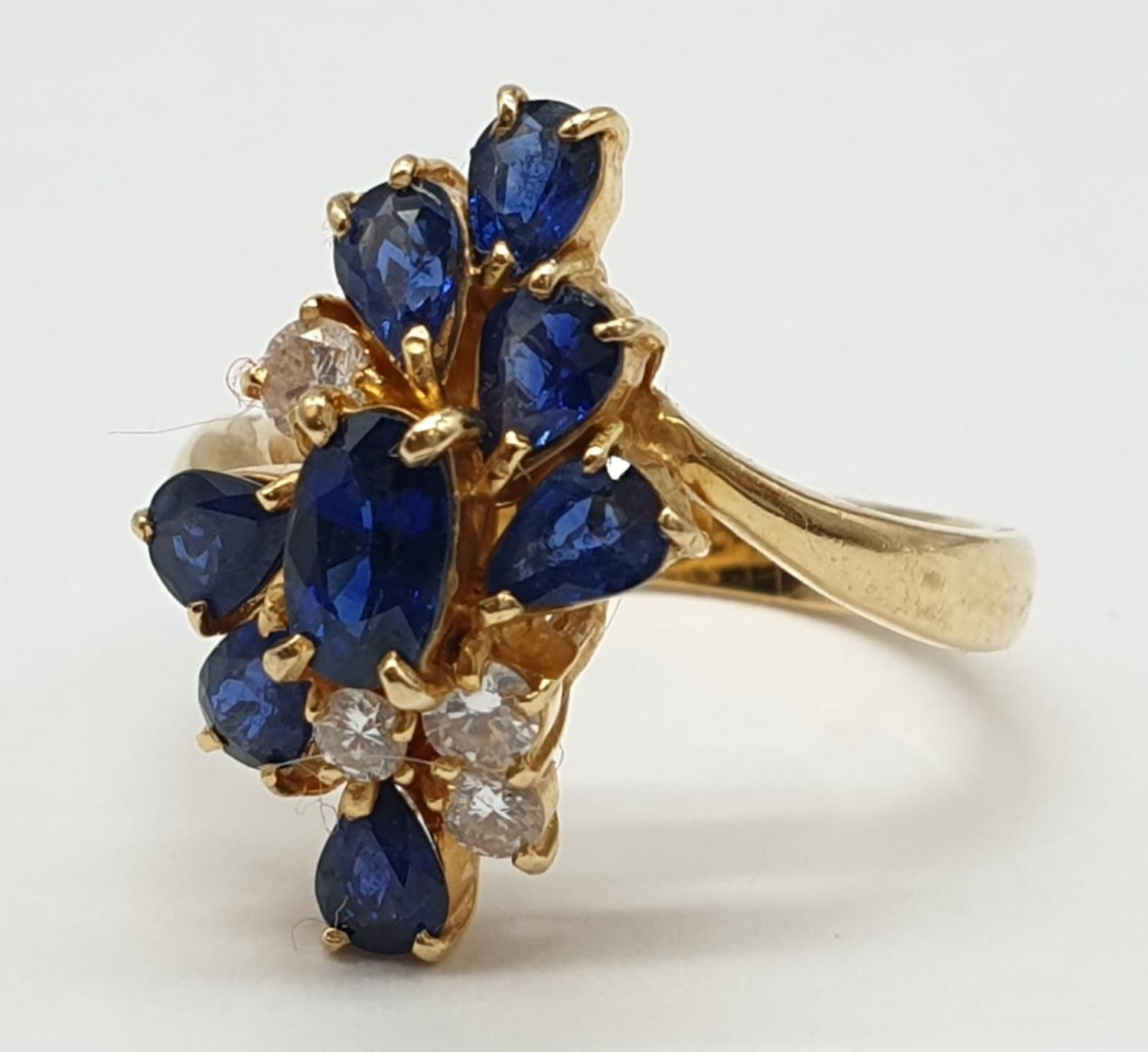 18ct Yellow Gold Cross Over Diamond and Sapphire Ring, Ring Size K, Weight 5.8g - Image 2 of 6