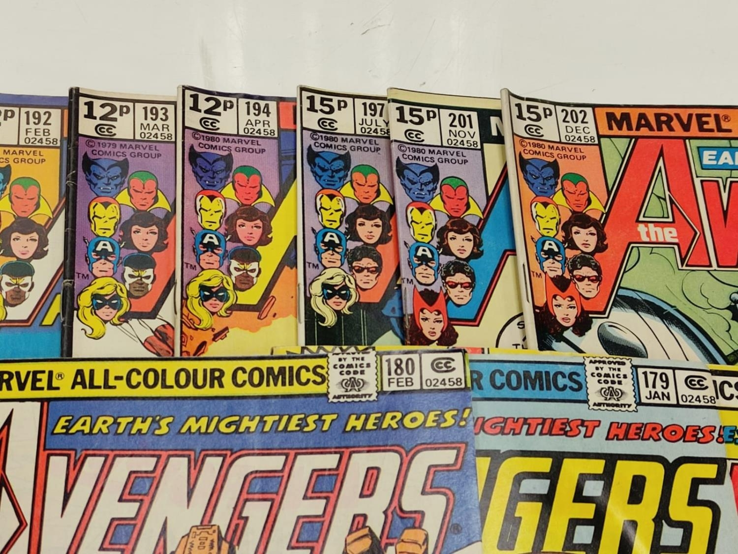 17 editions of Vintage Marvel 'The Avengers' comics in very good condition. - Image 5 of 12