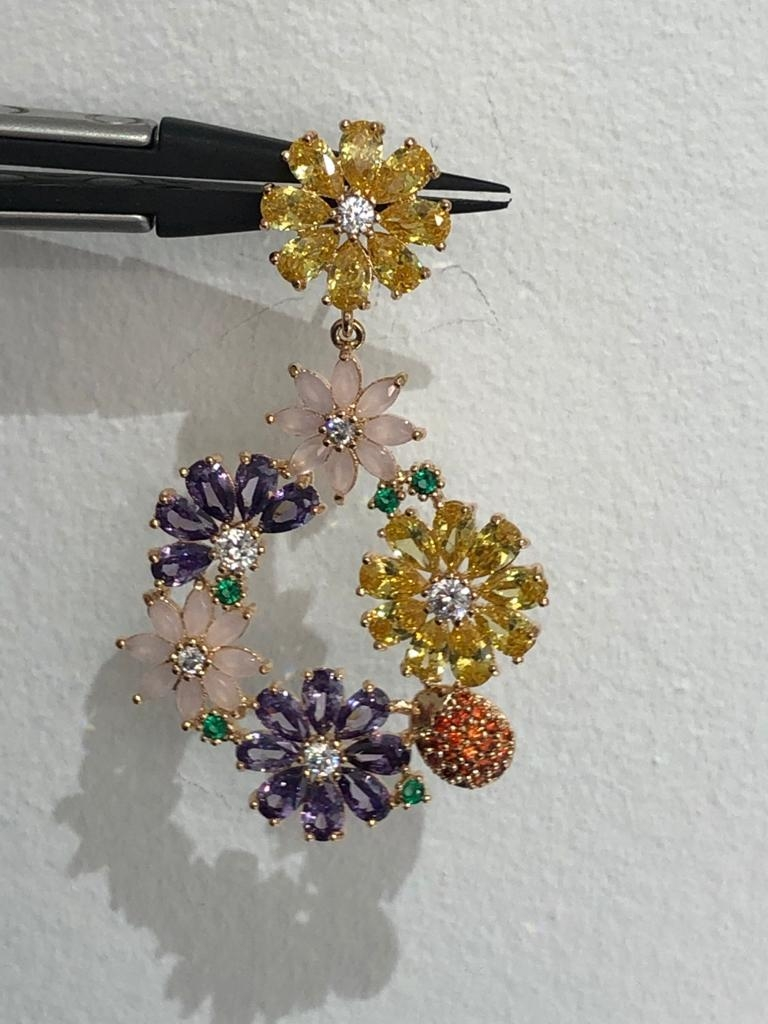 Pair of Earrings with multicoloured cz; copper in rhodium plating - Image 3 of 4