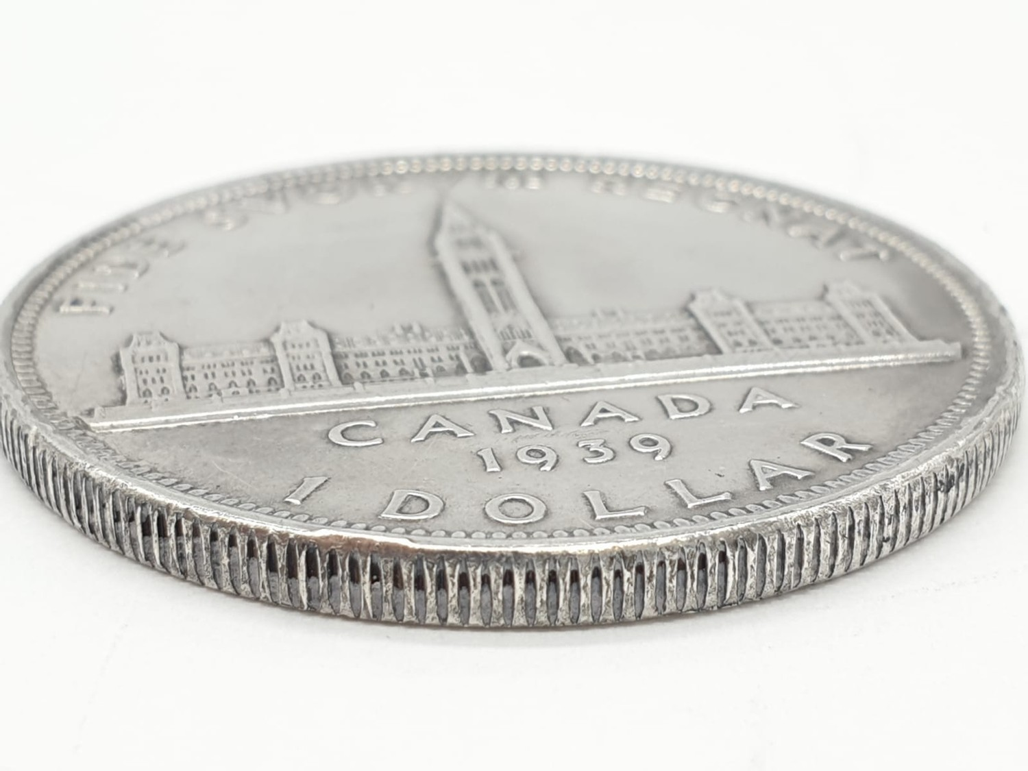 Silver 1939 Canadian 'Ottawa' dollar. Clear and raised definition to both sides. Slight nicks to - Image 3 of 3