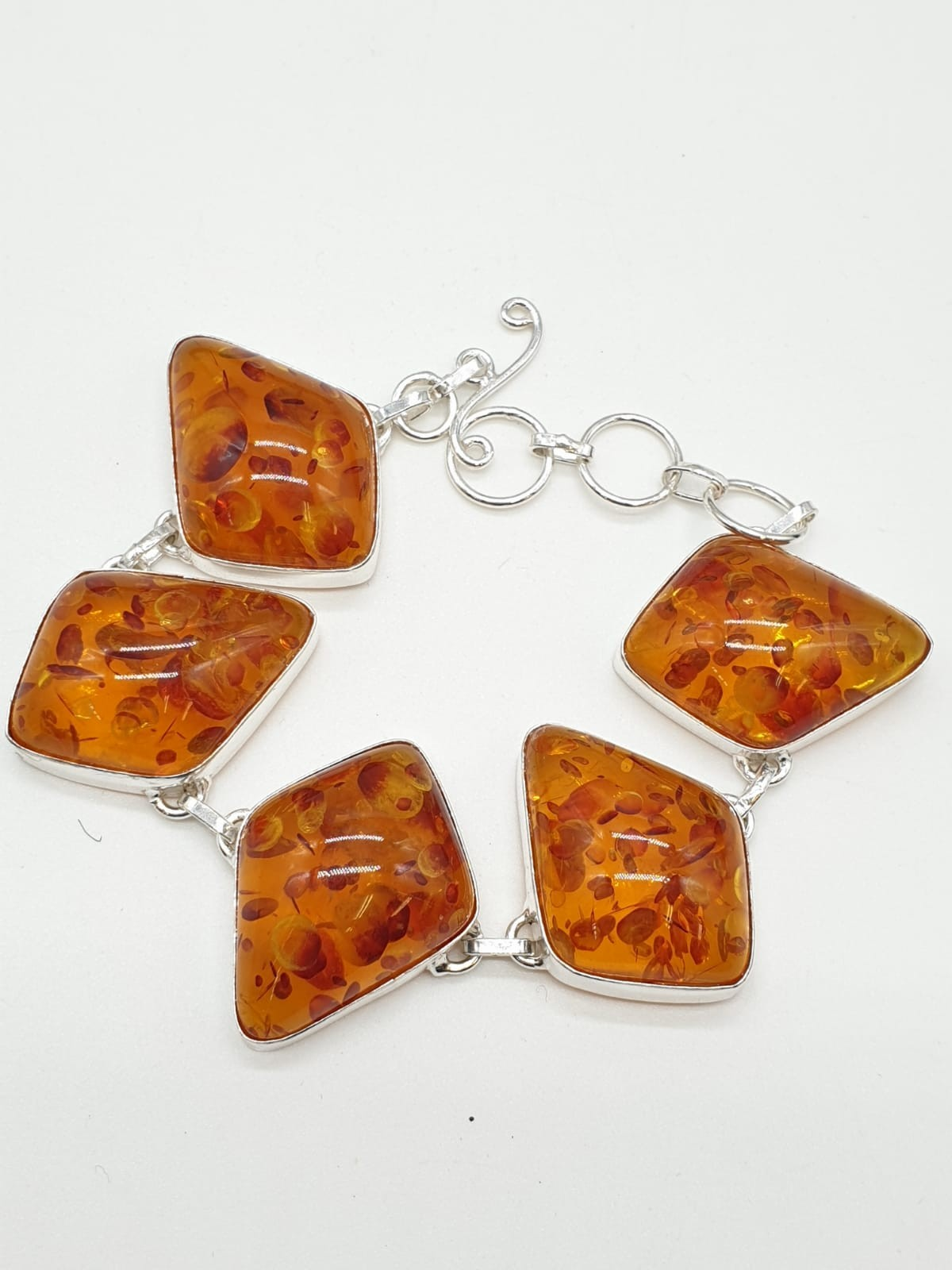 An Art Deco amber style necklace and bracelet set in a presentation box. Necklace length: 52cm. - Image 3 of 5