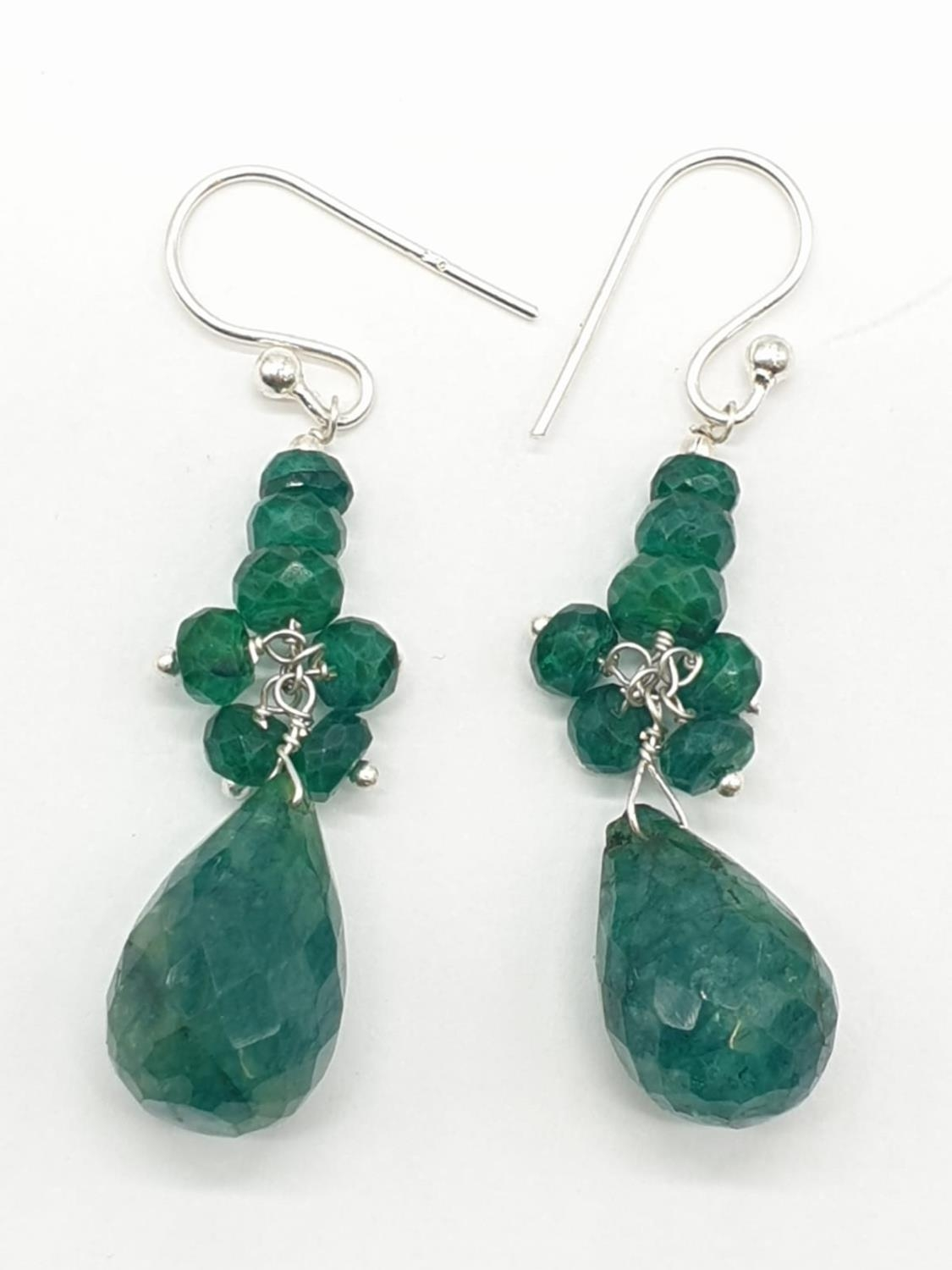 A Emerald Drops Necklace With Matching Dangler Earrings - Image 2 of 4