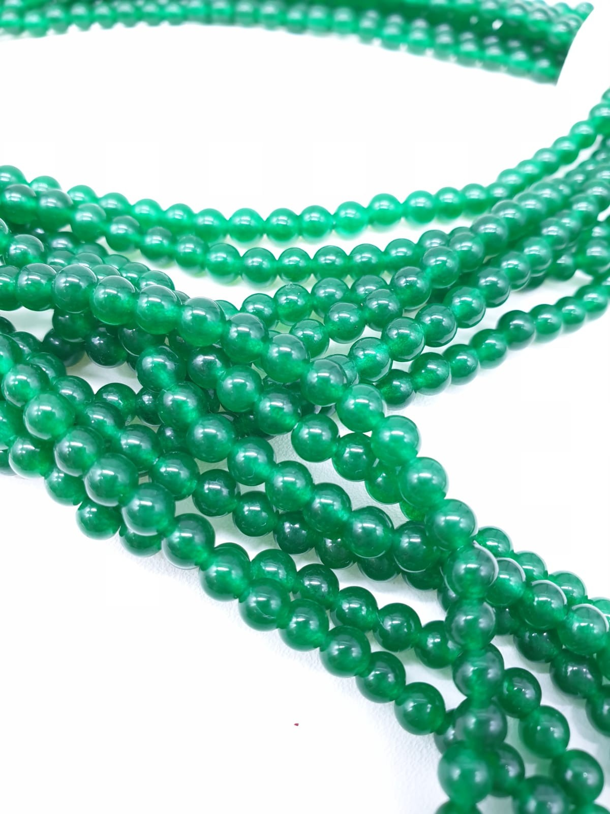 An interesting and versatile, three very long rows of green jade and pearls, necklace. It can be - Image 3 of 3