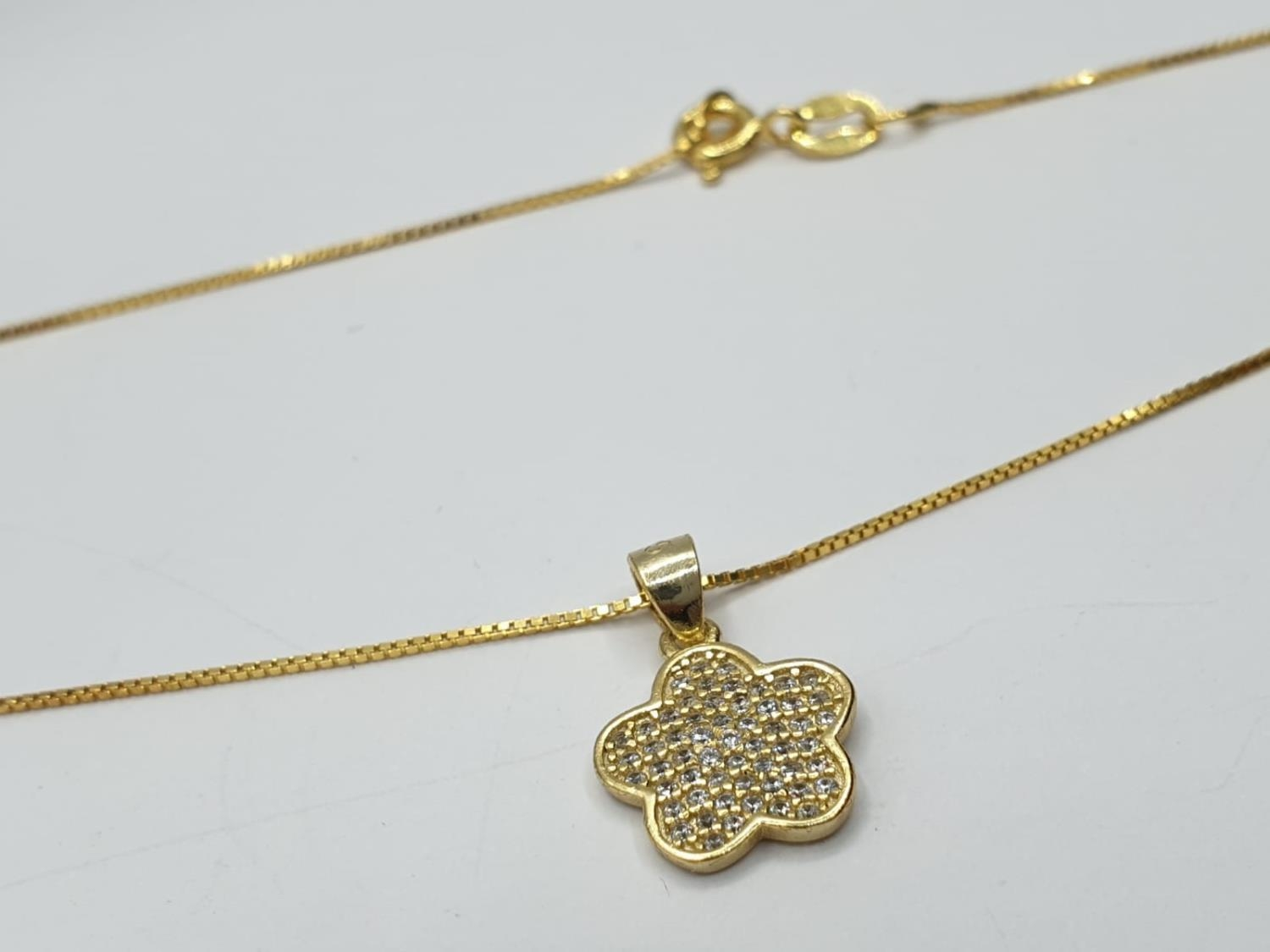 Gold plated silver set of PENDANT and matching EARRINGS. 3.7g 40cm chain. - Image 5 of 7