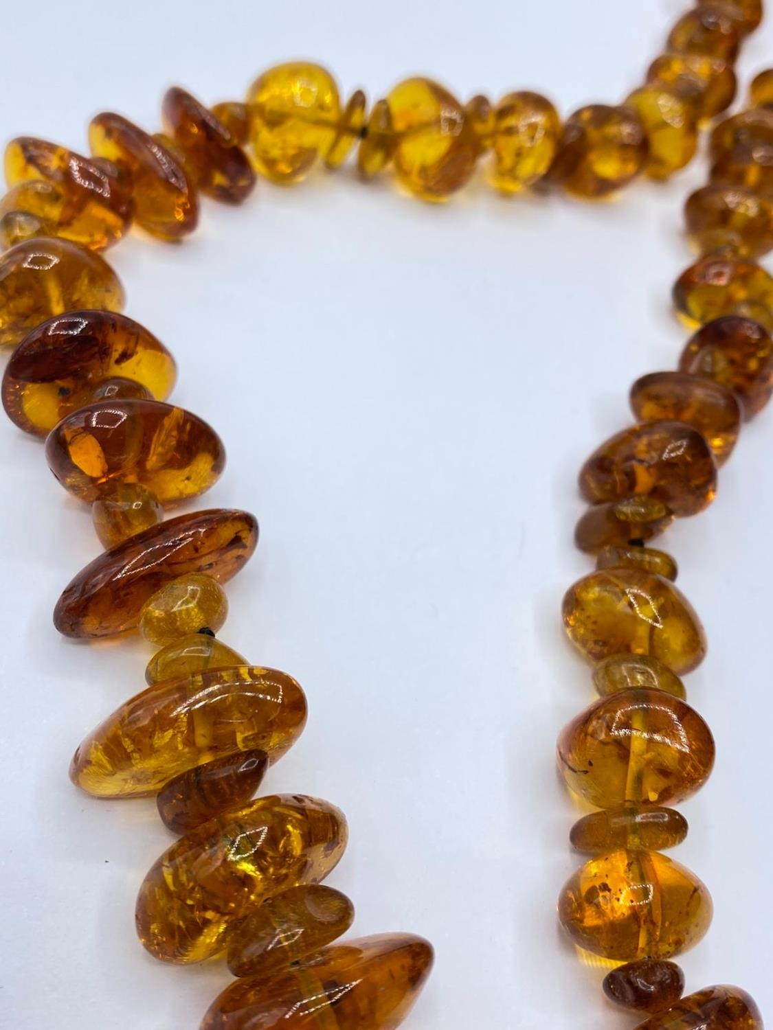 Amber NECKLACE. 76g. 76cm. - Image 2 of 2