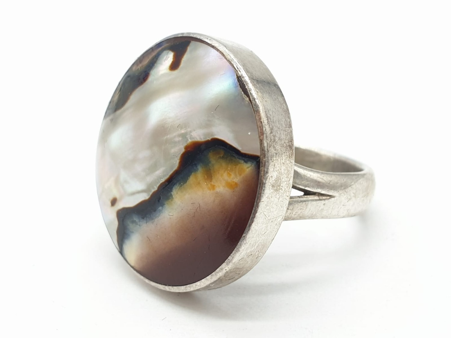 Silver ring having large circular Agate stone to top. Size L. - Image 2 of 6