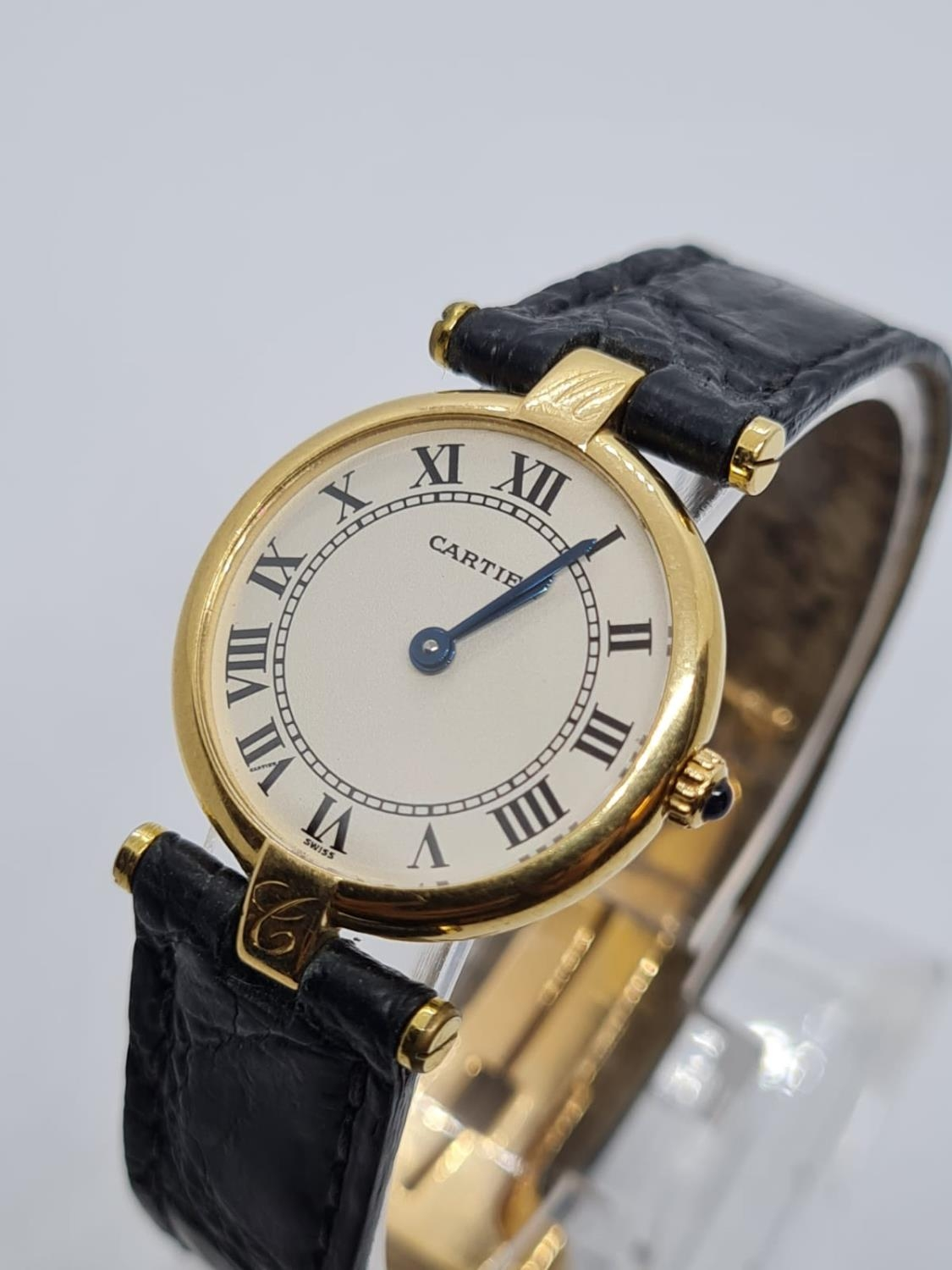 Vintage Cartier 18ct Gold Ladies quartz WATCH with round face and Roman Numerals and original - Image 2 of 4