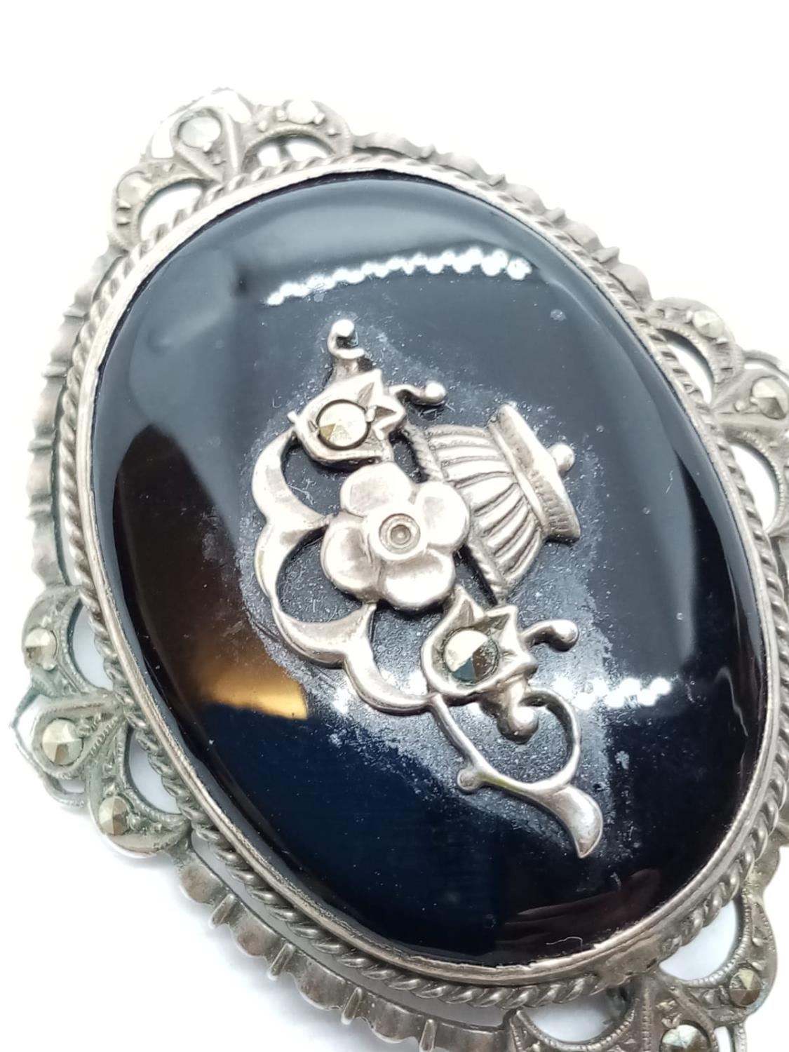 Victorian Marcasite and Black Onyx BROOCH. 9.9g 4.5 cm - Image 3 of 4