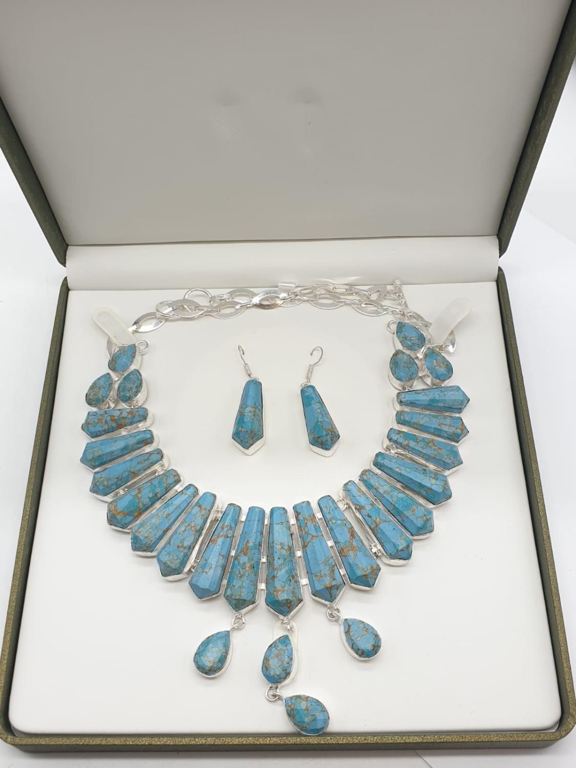 A Pharaonic style necklace and earrings set with light brown-gold veined turquoise obelisks and - Image 24 of 24