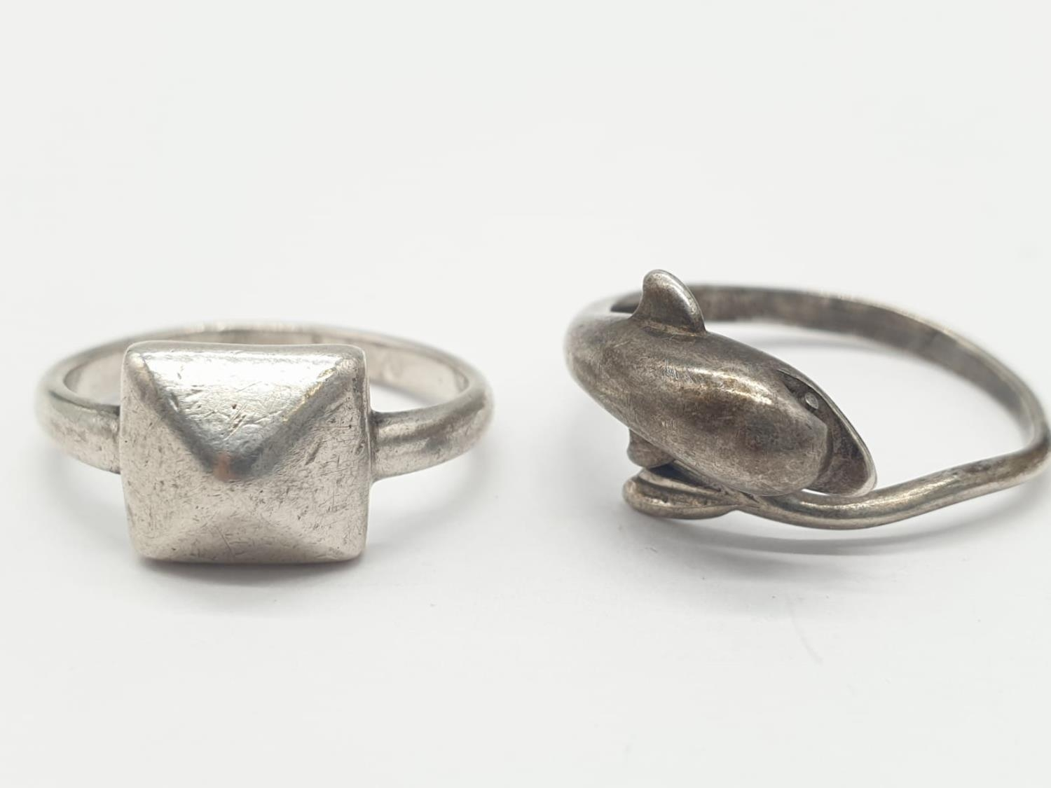 2 x Silver RINGS, Dolphin Size O. Star Size J. 5.1g