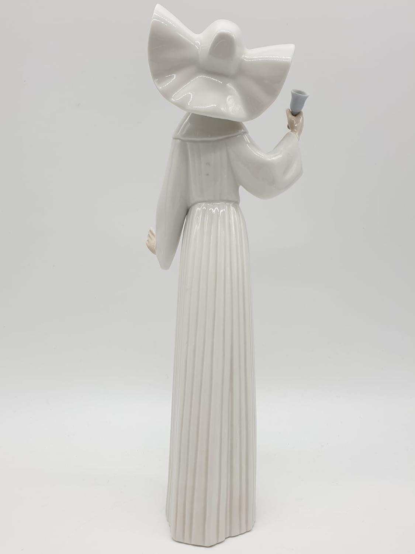 Set of 3 Lladro nuns. 26cm tall. - Image 19 of 20
