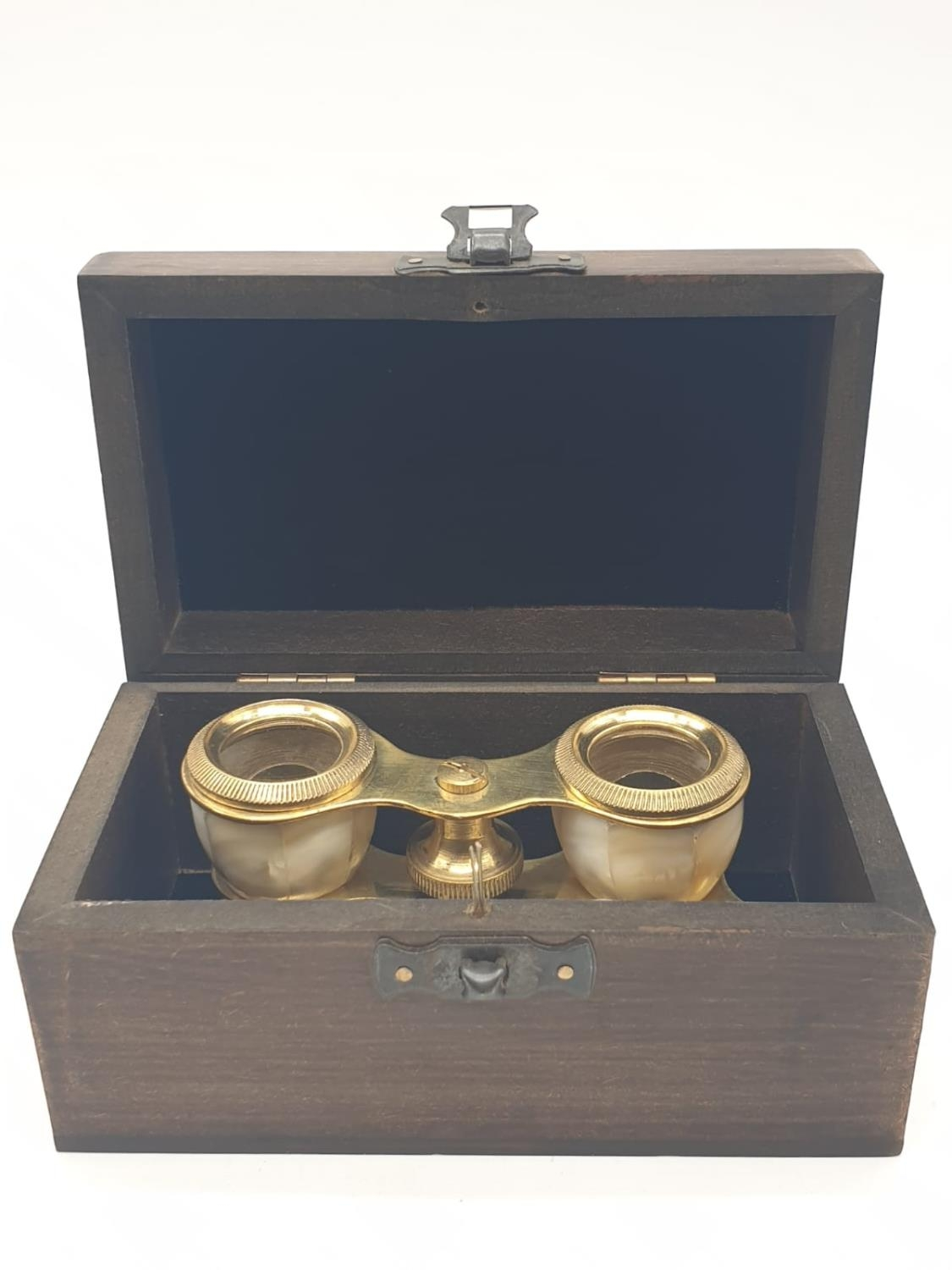 1920's Mother of Pearl & Brass opera glasses with folding handle, in wooden box. 13x7cm. - Image 8 of 9
