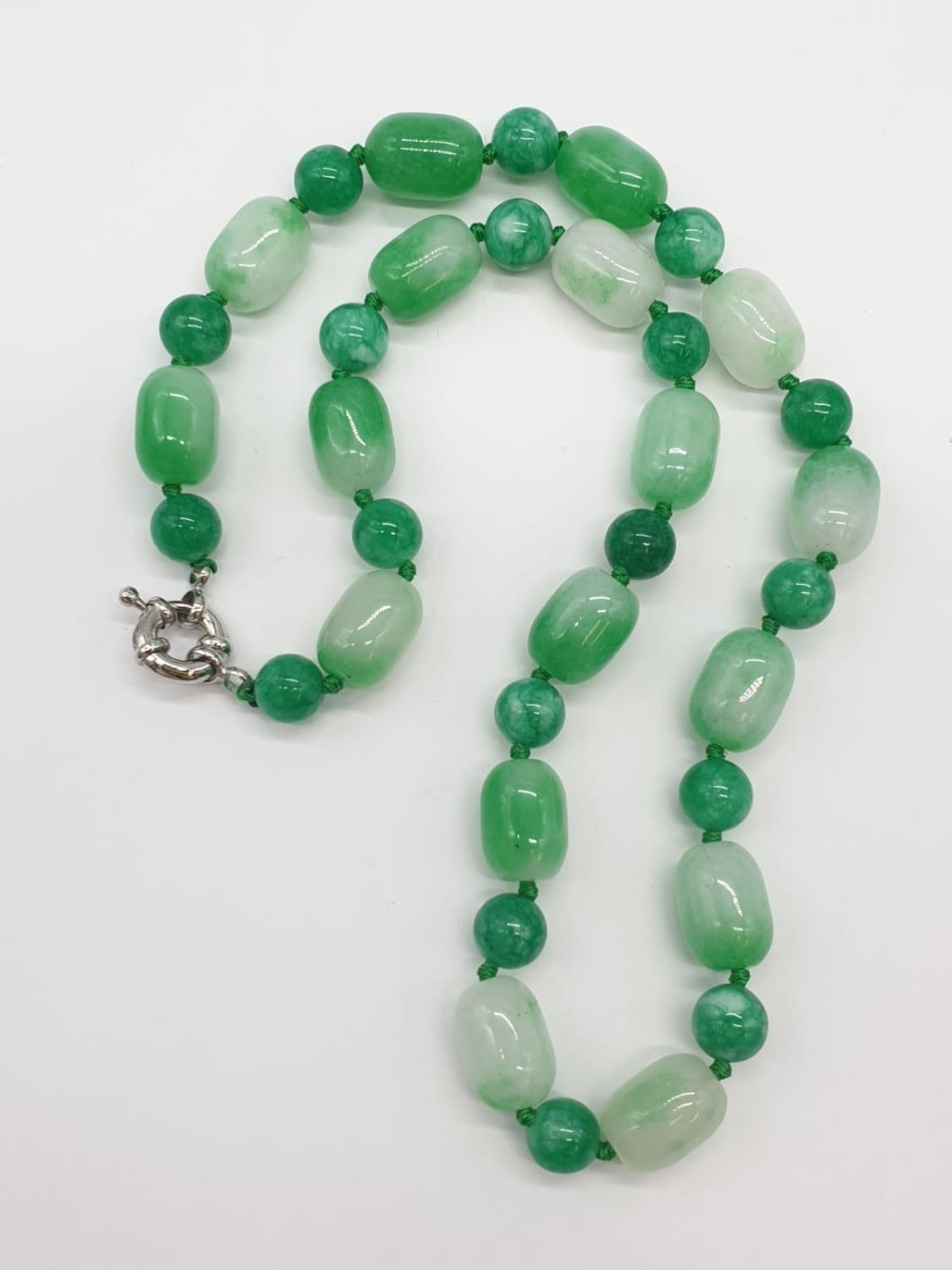 Jade necklace, weight 54g and 42cm long approx - Image 2 of 4