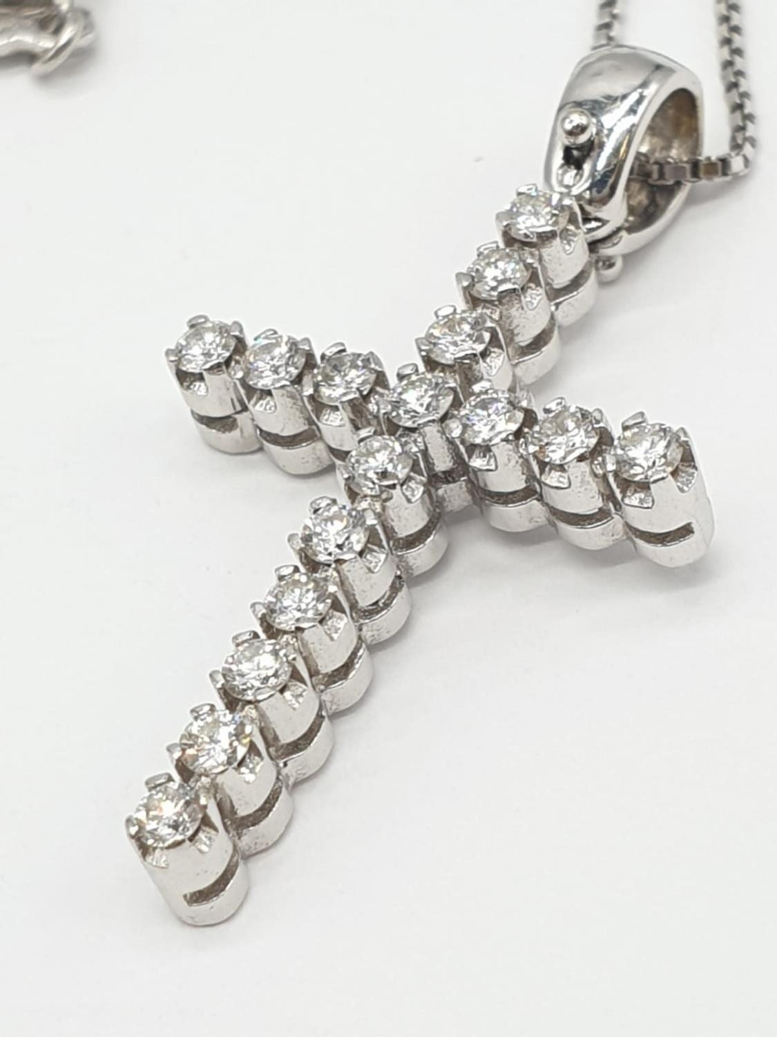 18ct White Gold Diamond Cross on a 38cm CHAIN. 5g - Image 2 of 7