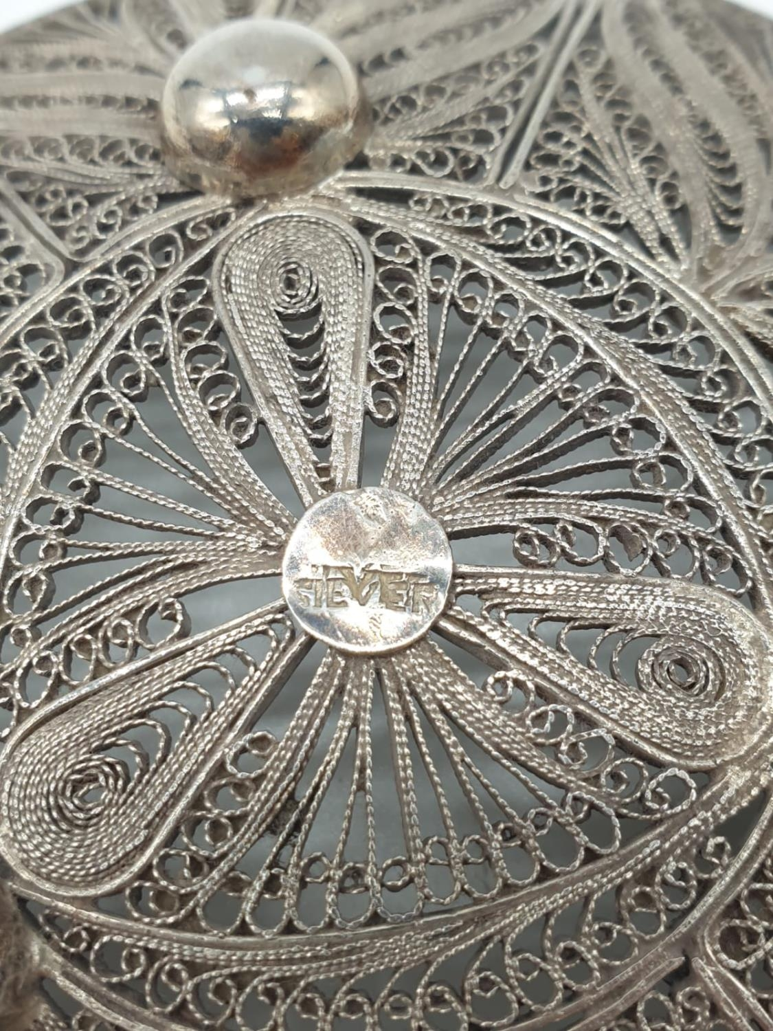 Silver filigree dish. 61.3g in weight. 10cm diameter. - Image 4 of 4