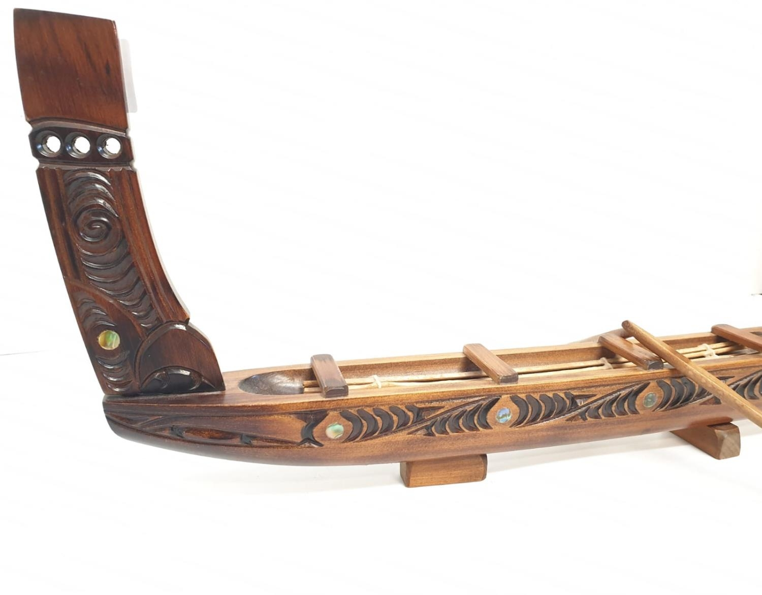 Hawaiian hand carved wooden boat, 49x20cm - Image 4 of 9