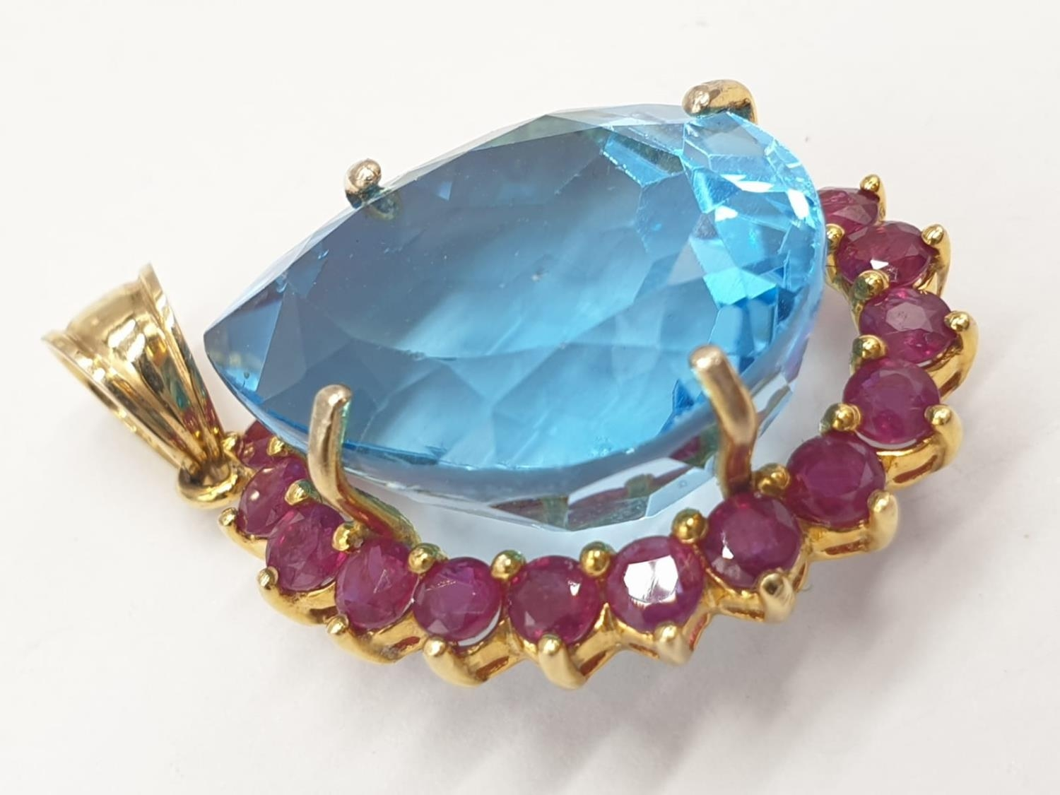 Topaz and ruby in 14ct gold pendant, weight 8g - Image 3 of 5